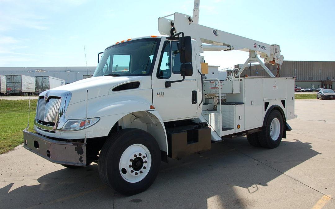 2006 International 4300 Crane Truck with Radio Remote (MPFP1247) | MPFP1247