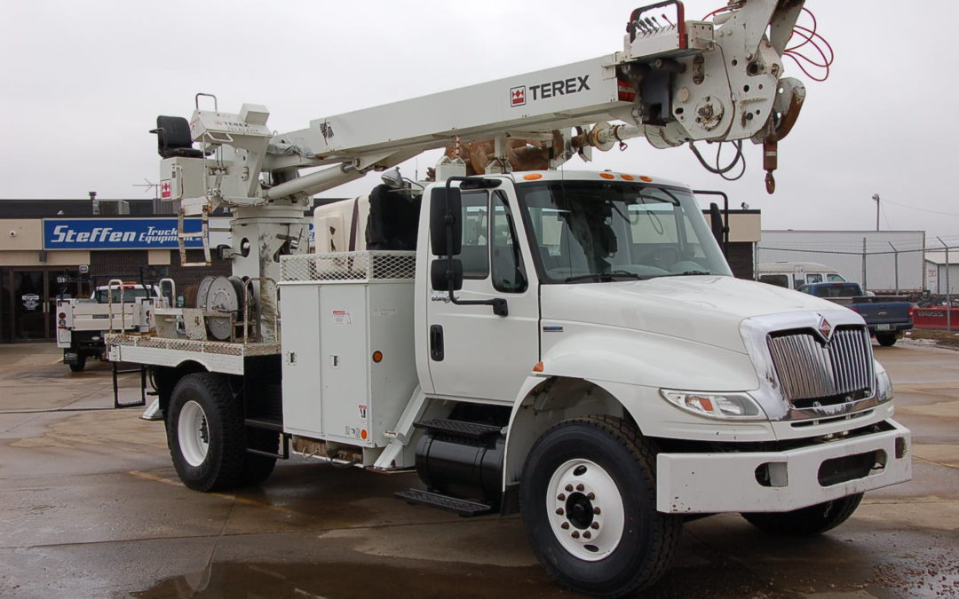 2008 International w/ TEREX 47′ Digger Derrick (MPFP1272)