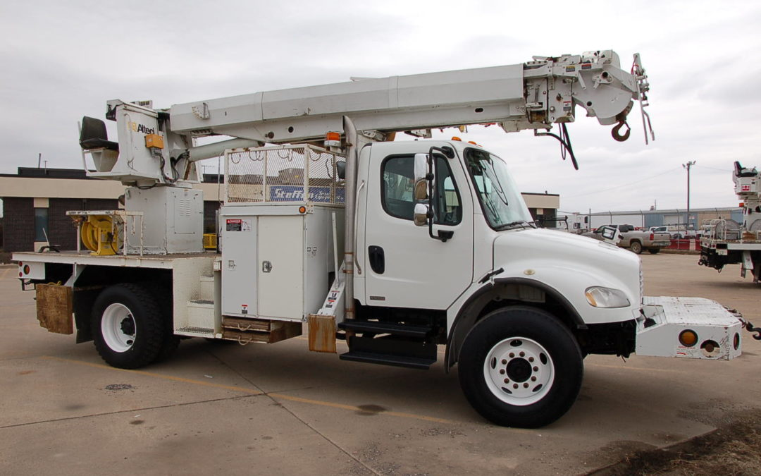 2005 Freightliner M2 with Radio Remote ALTEC Digger (MPFP1275)