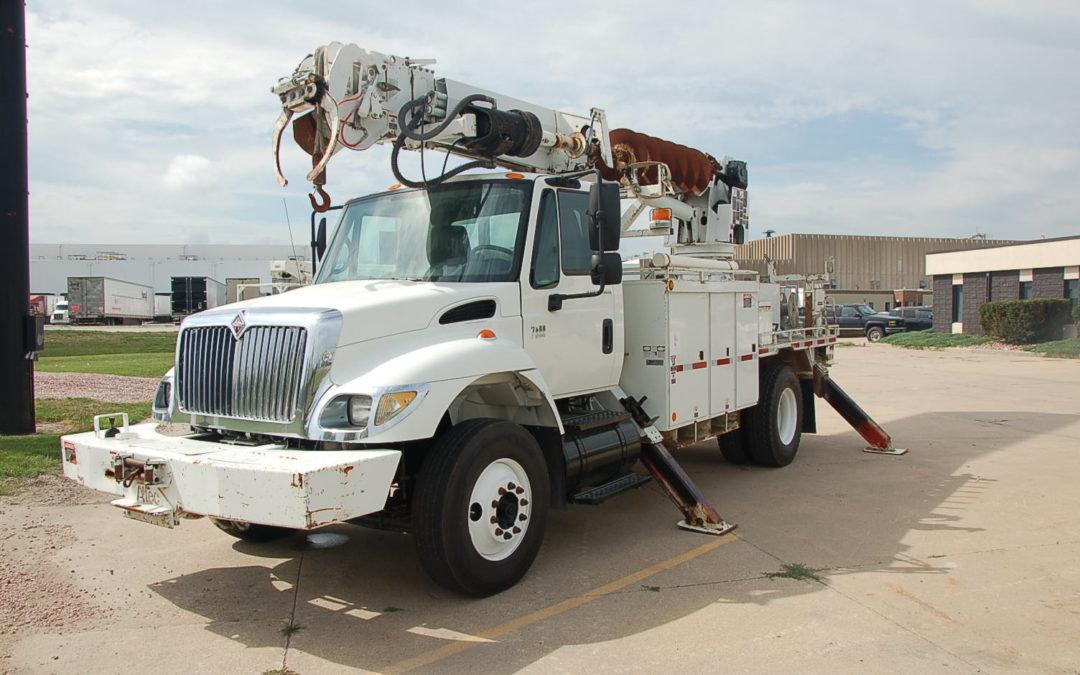 2007 International 7400 Remote control Digger (MPFP1284)