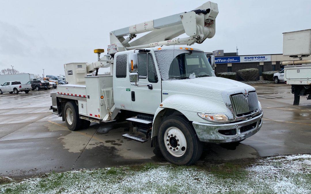 Like New 2008 4300 IHC Bucket Truck (MPFP1332)