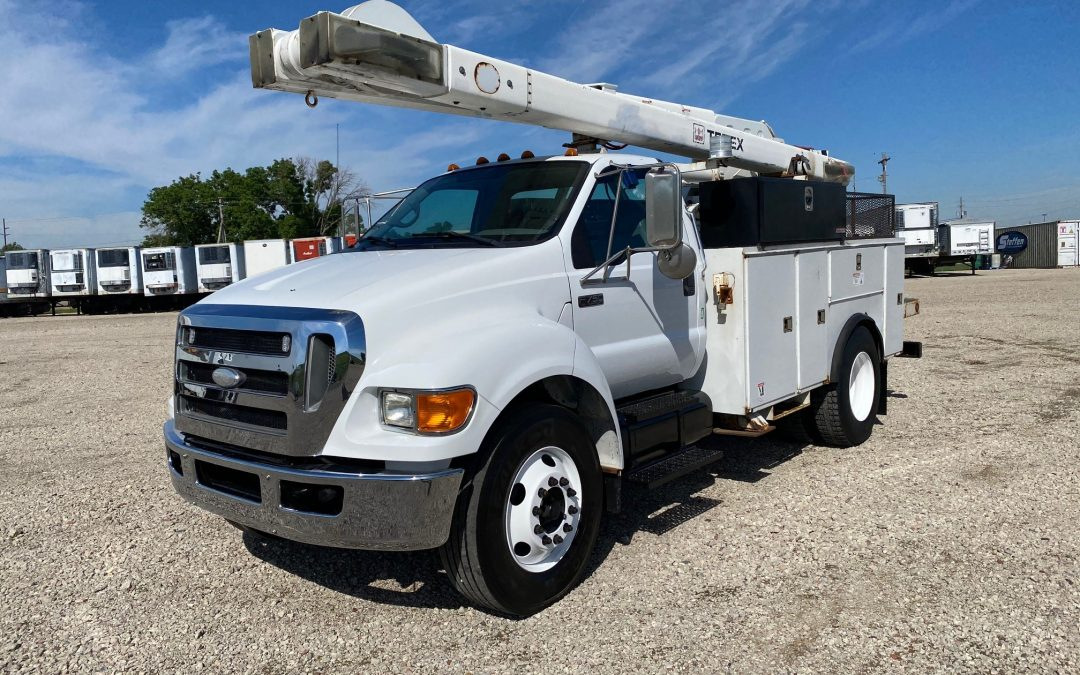 2008 Ford F750 with 47′ Over-Center Terex Boom (MPFC1334)