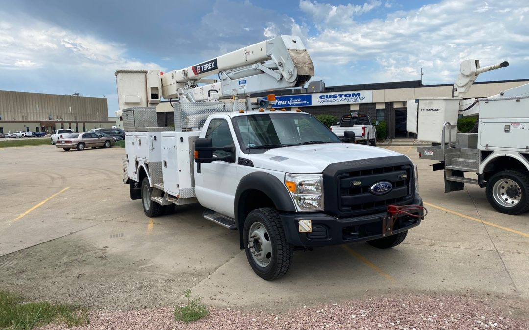 Low Mile 2012 Ford F550 Super Duty Material Handling Aerial (MPFP1338)