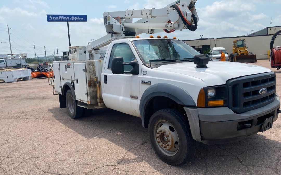 2006 For F550 4×4 with 42′ Altec Boom (MPFP1350)