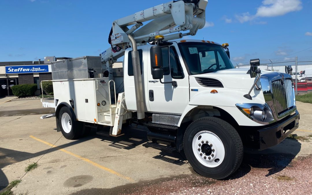 2012 International Extended Cab With 46′ Material Handling Boom (MPFP1341)